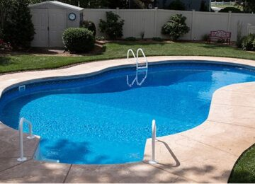 Why it's best to hire a professional to install your pool